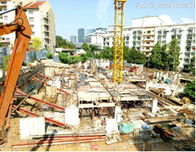 Block A – LG 1 in progress with  Peninsula Hotel in the background