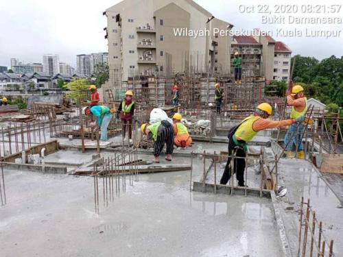 Block B - casting floor slab at Level 2.