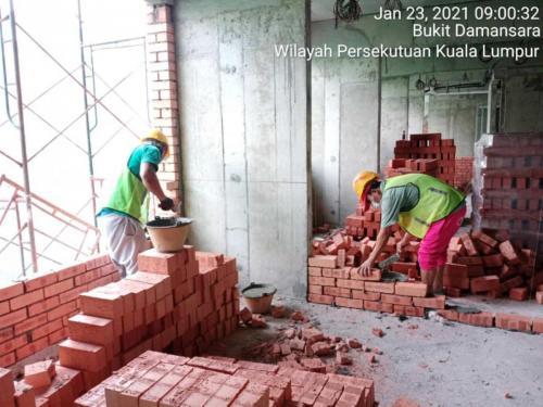 Block B - brickworks in progress at Level 5.