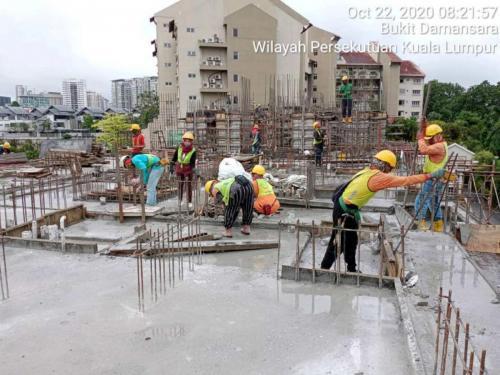 Block B - casting floor slab at Level 2.