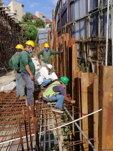Cutting of sheet piles in progress at back entrance