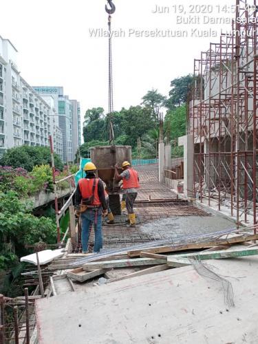 LG2 - casting of ramp in progress
